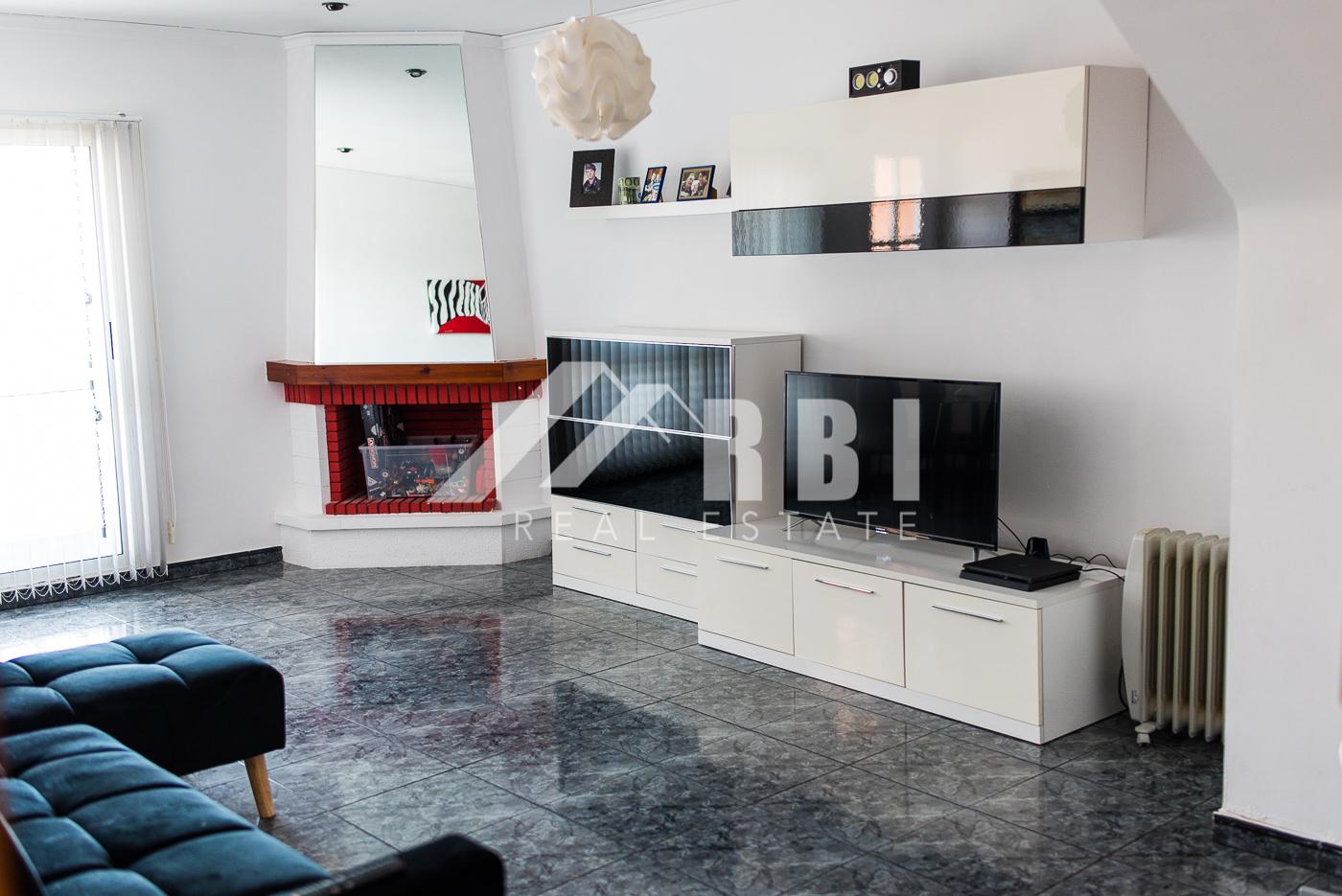 Casa adosada ideal para vivir en Gilet